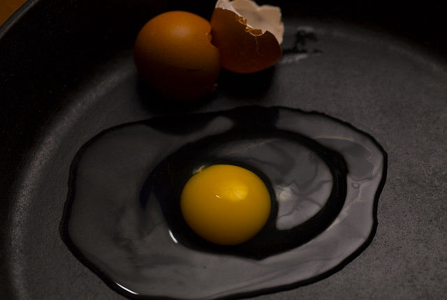 Egg in pan to show albumin layers